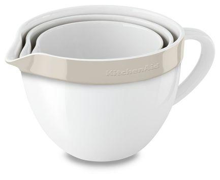 KitchenAid Набор круглых чаш для запекания, смешивания (1.4 л, 1.9 л, 2.8 л), 3 шт., кремовые kitchenaid набор круглых чаш для запекания смешивания 1 4 л 1 9 л 2 8 л 3 шт черные