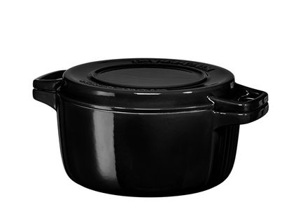 KitchenAid Чугунная кастрюля (3.77 л), 24 см, черная KCPI40CROB KitchenAid invicta кастрюля с крышкой чугунная 2 5 л 20 см синяя 402209 invicta