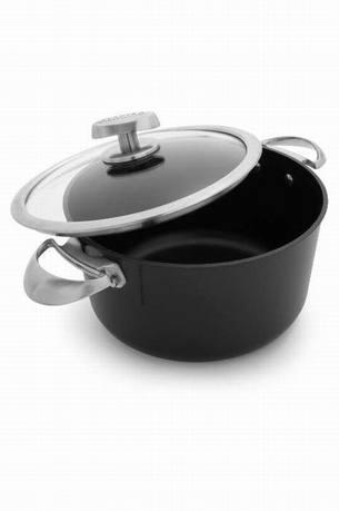 Фото - Scanpan Кастрюля с крышкой (6.5 л), черная 68252600 Scanpan scanpan сковорода вок с палочками и решеткой 32 см черная 32301200 scanpan