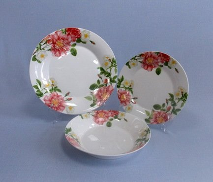 Takito Набор тарелок Цветущий шиповник на 6 персон, 18 пр.