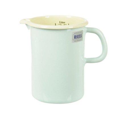 Riess Кружка мерная цилиндрическая Pastell (1 л), с носиком 0338-006 Riess riess кастрюля цилиндрическая pastell 2 л 20 см с эмалированной крышкой 0280 006 riess