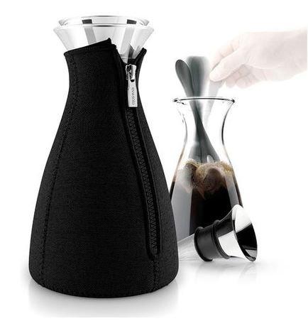 Кофейник Cafe Solo в неопреновом чехле (1.0 л), черный 567667 Eva Solo кофейник в чехле 1 л eva solo cafe solo 567669