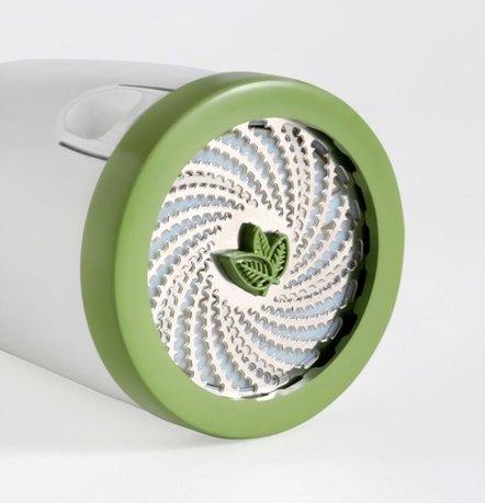 Мельница для зелениНожи и мельницы для зелени<br>Нарезать зелень этой мельницей – одно удовольствие. Простой поворот эргономичной ручки – и большое количество мелких ножниц быстро нарежут Вам укроп, петрушку, сельдерей, не сминая его и сохранив при этом свой природный вкус. Конструкция мельницы позволяет загружать в средний отсек большое количество зелени. Изделие прекрасно моется в посудомоечной машине.<br><br>Серия: Easy prep