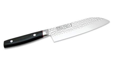 Сантоку нож, сталь ZA-18/AUS-2, 3слоя, 170мм, Eco-wood рукоятьНожи Сантоку<br>Представляет собой азиатский тип ножа, для которого характерно широкое лезвие и исключительно острая режущая кромка. Сантоку - оптимальный вариант для поваров, предпочитающих рубящую технику нарезки. Баланс смещен к кончику ножа и способствует снижению нагрузки при шинковании продуктов. Универсален, применим для нарезки овощей, мяса или рыбы<br><br>Серия: Pro-J