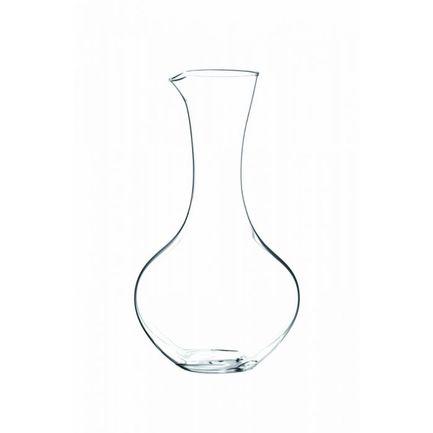 Декантер Syrah (1.04 л)Декантеры<br>Объем 1040 мл, высота 24.5 см. Декантер используется для насыщения вина кислородом. Чтобы придать вину более благородный и насыщенный вкус, его нужно подавать именно в такой посуде. В декантере приглушаются резкие тона вина, уменьшается его танинность. Молодые вина отлично раскрываются в широких и приземистых декантерах с воронкообразным горлышком. Для выдержанных вин подойдут узкие декантеры с шарообразным основанием. В них можно вино осторожно «пробудить» вино и избавиться от его осадка.<br><br>Серия: Декантер