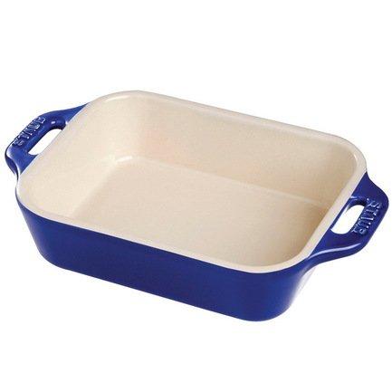 Форма прямоугольная, 27х20 см, темно-синяя (1852091)Формы для запекания<br>Хорошая форма для запекания поможет вам с легкостью готовить в духовке и радовать гостей аппетитными свежеприготовленными блюдами. Гарниры, запеканки и различная выпечка великолепно готовятся в керамической форме. Вынимаются из нее они тоже легко благодаря гладкой эмалированной внутренней поверхности посуды.<br><br>Серия: Ceramique Francaise