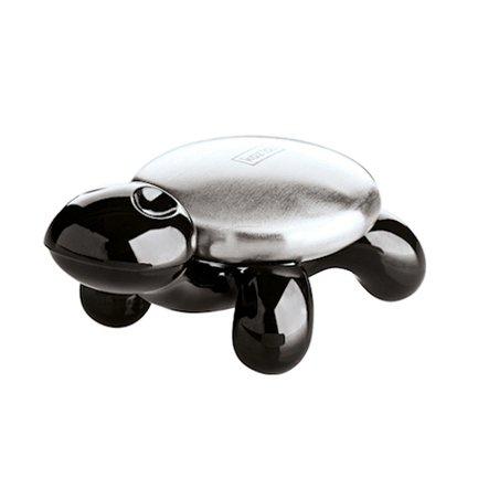 Металлическое мыло AMANDA (5875526), черноеЧистота и порядок<br>Легко избавиться от неприятного запаха лука или чеснока можно при помощи оригинального металлического мыла. Металл мгновенно нейтрализует запах при контакте с водой. Элегантная подставка в виде черепахи устойчива и станет изящным элементом дизайна вашей ванны.<br><br>Серия: Koziol Your Kitchen