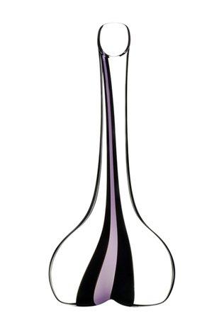 Декантер Black Tie Smile Pink (1.41 л)Декантеры<br>Объем 1410 мл, высота 36.5 см. Декантер используется для насыщения вина кислородом. Чтобы придать вину более благородный и насыщенный вкус, его нужно подавать именно в такой посуде. В декантере приглушаются резкие тона вина, уменьшается его танинность. Молодые вина отлично раскрываются в широких и приземистых декантерах с воронкообразным горлышком. Для выдержанных вин подойдут узкие декантеры с шарообразным основанием. В них можно вино осторожно «пробудить» вино и избавиться от его осадка.<br><br>Серия: Декантер