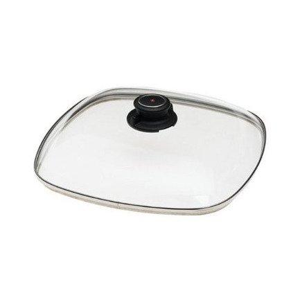 Крышка стеклянная SDC 28х28 смКрышки<br>Эта стеклянная крышка термостойкая и подходит для посуды квадратной фомы 28х28 см. Стекло дает возможность зрительно наблюдать, на какой стадии приготовление блюда, не нарушая температурный баланс в кастрюле или сковороде. А металлический ободок предохраняет крышку от механических повреждений.<br><br>Серия: Swiss Diamond