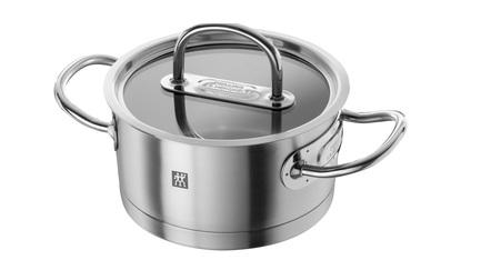 Кастрюля Zwilling Prime, 16 см (1.8 л)Кастрюли<br>В этой компактной кастрюле при необходимости можно сварить небольшую порцию супа, но основное ее предназначение в другом. В ней очень удобно готовить гарниры, каши и подливки, подогревать готовые блюда и отваривать овощи для приготовления салатов.<br><br>Серия: Zwilling Prime