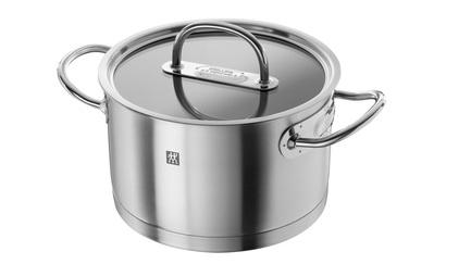 Кастрюля Zwilling Prime, 24 см (6 л)Кастрюли<br>Вместительная кастрюля пригодится для приготовления блюд к праздничным застольям, как всевозможных супов, так и гарниров. Помимо этого в этой кастрюле удобно варить бульоны или компоты. Также в ней вам будет удобно отваривать вареники, манты или пельмени, для приготовления которых нужен большой объем воды.<br><br>Серия: Zwilling Prime