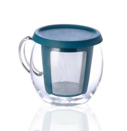 Кружка Mio (0.35 л), 9х12 см, голубойЧашки и Кружки<br>Красивые кружки из прозрачного стекла идеальны для тех, кто любит не спеша пить свежезаваренный чай, наслаждаясь его насыщенным цветом и ароматом. У каждой кружки есть тонкий фильтр-ситечко, который обеспечивает тщательный дренаж, поэтому хорош для мелких чайных листьев. Остальная часть фильтра расположена в крышке для большей компактности. Материал, из которого изготовлены кружки – термостойкое стекло, поэтому вы смело можете брать эту емкость с горячим напитком, не опасаясь обжечься.<br><br>Серия: Mio