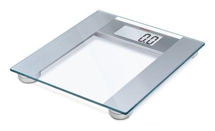 Весы напольные Pharo 201, 33.8х31.8х3.3 смВесы напольные<br>Напольные электронные весы, предназначенные для домашнего использования, интересны своим элегантным исполнением и стильным дизайном. Их устойчивая платформа выполнена из высокопрочного стекла и снабжена пластиковой подставкой. Высокоточные весы оснащены жидкокристаллическим дисплеем, на который выводится результат измерения. Встроенный датчик активации включает весы автоматически через 10 сек после того, как на них встанут.     Характеристики:   Максимальная нагрузка: 200 кг  Цена деления: 100 г  Единицы измерения: кг, стоун, фунт  Автоматическое включение  Автоматическое выключение<br><br>Серия: Soehnle
