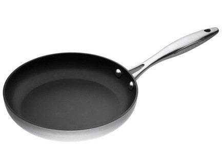Сковорода, 26 смПосуда<br>Отличная сковорода для тех, кто любит готовить и есть вкусную и полезную пищу. Идеальна для жарки мяса, рыбы и овощей с минимальным количеством масла. Сковорода отличается стильным современным дизайном, прочностью и долговечностью. Удобная ручка не нагревается и позволяет легко перемещать сковороду.<br><br>Серия: CTX
