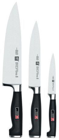 Набор ножей TWIN Four Star II, 3 пр.Кухонные ножи<br>Незаменимый помощник на кухне – набор ножей. Учитывающий индивидуальные потребности повара, профессионально составленный набор обладает неограниченным сроком службы. Отменное качество, удобные рукояти и солидный ассортимент в состоянии удовлетворить самых взыскательных покупателей.<br><br>Серия: TWIN Four Star II<br>Состав: Овощной нож 100мм 30070-101,  Нож 160мм 30070-161,  Поварской нож 200мм 30071-201