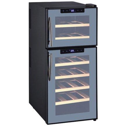 Шкаф для хранения вина на 59 литров (21 бутылка или 48 банок)Винные шкафы<br>Основные характеристики  Отдельно стоящий  Кол-во температурных зон: двухзонный  Вместимость: 21 бут.  Система охлаждения: на основе принципа Пельтье  Температурный режим: от 7 до 18 °C  Стеклянные двери  Дверной упор: петли справа  Напряжение: 220 В  Климатический класс N: +16...32 °С  Ширина: 345 мм  Глубина: 490 мм  Высота: 815 мм  Высота (в упаковке): 835 мм  Вес (без упаковки): 19 кг  Вес (с упаковкой): 21 кг  Цвет: черный  Технические особенности  Антивибрационная система  6 деревянных полок  Закаленное стекло двери с зеркальным покрытием  Белая светодиодная подсветка  4 регулируемые ножки  Класс энергоэффективности: D  4 регулируемые ножки  Уровень шума: 39 дБ  Потребляемая мощность: 0,13 кВт  Потребление электроэнергии: 274 кВт/год  Габариты в упаковке: 385x525x835 мм<br><br>Серия: Climadiff