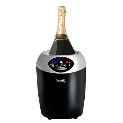 Охладитель для 1 бутылки вина объемом 0.75 лАксессуары для охлаждения напитков<br>Охладитель подходит для бутылки вина диаметром до 10.5 см и объемом до 0.75 л. Охладитель поддерживает 3 температурных режима (7-17°C). Аксессуар оснащен термоэлектрической системой охлаждения.<br>