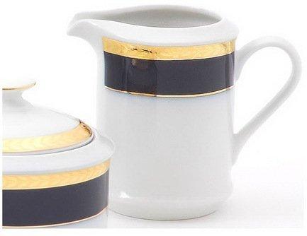 Молочник высокий Сабина Сине-золотая лента (0.2 л)Молочники и Сливочники<br>Красивый молочник – незаменимый предмет посуды для всех, кто любит кофе и чай с молоком. Из этого изящного молочника очень удобно наливать молоко в ароматный латте или нежный чай.<br><br>Серия: Сабина Сине-золотая лента