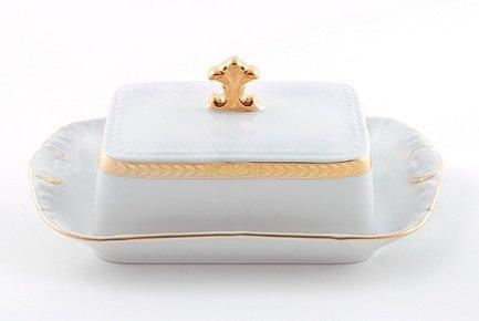 Масленка граненная Соната Изящное золото (0.25 кг)Масленки<br>Элегантная фарфоровая масленка с изящным декором может использоваться для хранения и подачи масла к столу. Хранить масло удобно под закрытой крышкой, а подавать к столу можно в открытой масленке.<br><br>Серия: Соната Изящное золото