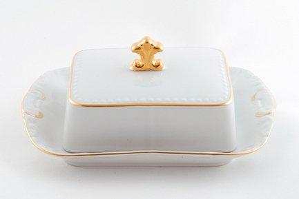 Масленка граненная Соната Тонкое золото (0.25 кг)Масленки<br>Элегантная фарфоровая масленка с изящным декором может использоваться для хранения и подачи масла к столу. Хранить масло удобно под закрытой крышкой, а подавать к столу можно в открытой масленке.<br><br>Серия: Соната Тонкое золото