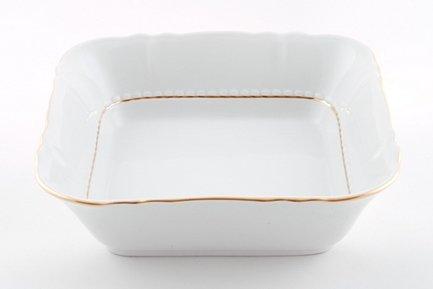 Салатник квадратный Соната Тонкое золото, 25 смСалатницы, Супницы<br>Вместительный квадратный салатник идеально подходит для подачи общего салата, который гости будут накладывать в свои тарелки. Этот салатник прекрасно впишется в сервировку и домашнего обеда и торжественного стола.<br><br>Серия: Соната Тонкое золото