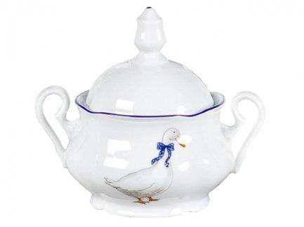 Сахарница Мэри-Энн Кантри (0.2 л), 2 ручкиСахарницы<br>Красивая сахарница с крышкой и двумя ручками прекрасно впишется в сервировку любого стола. Эта изящная сахарница может использоваться для домашних чаепитий и для торжественных мероприятий.<br><br>Серия: Мэри-Энн Кантри