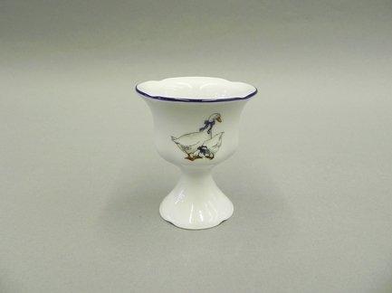Чашка для яйца на ножке Мэри-Энн КантриПодставки для яиц<br>Изящная чашка на ножке, предназначенная для подачи к столу яиц, эффектно дополнит сервировку стола.<br><br>Серия: Мэри-Энн Кантри