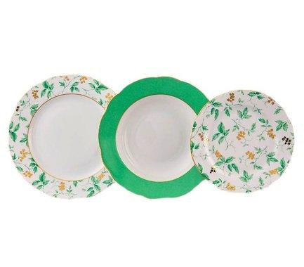 Набор тарелок Мэри-Энн Зелень и золото, 18 пр.Тарелки и Блюдца<br>Эти изящные тарелки помогут сервировать стол к обеду с отменным вкусом и неповторимым стилем. Набор рассчитан на 6 персон и состоит из суповых, обеденных и десертных тарелок.<br><br>Серия: Мэри-Энн Зелень и золото<br>Состав: Тарелка суповая - 6 шт., Тарелка обеденная - 6 шт., Тарелка десертная, 19 см - 6 шт.