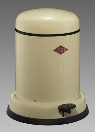 Мусорный контейнер (8 л), слоновая кость (117538)Мусорные ведра<br>Этот стильный, компактный контейнер для мусора прекрасно подойдет для улицы, балкона или террасы, отлично впишется в интерьер кухни или ванной. Корпус и крышка контейнера выполнена из высококачественной нержавеющей стали и покрыт лаковой краской, а внутреннее мусорное ведро изготовлено из гальванизированной огнестойкой стали. Контейнер легко открывается при помощи педали, выполненной из прочного нескользящего пластика.<br><br>Серия: Baseboy