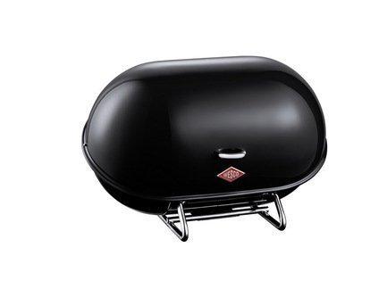 Хлебница Single BreadBoy, черная (117621)Хлебницы<br>Эта стильная компактная хлебница эффектной расцветки очень удобна в эксплуатации. Крышка легко открывается вверх при помощи компактной ручки. Оригинальная стальная подставка эффектно дополняет общий дизайн, не скользит и не царапает поверхность стола. Хлебница не накапливает запахи и легко моется. Любая выпечка и хлеб в ней не подсыхает, долго остается свежим и ароматным. Размеры (ДхШхВ): 34х23х21 см.<br><br>Серия: Bread Boy