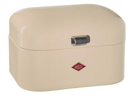 Хлебница Grandy mini, слоновая кость (117627)Хлебницы<br>Элегантная дизайнерская хлебница в виде компактного сундучка из высококачественной нержавеющей стали прекрасно впишется в интерьер кухни ретро. Крышка легко открывается вверх при помощи компактной ручки. Хлебница не накапливает запахи и легко моется. Любая выпечка и хлеб в ней не подсыхает, долго остается свежим и ароматным. Размеры (ДхШхВ): 28х21.5х17 см.<br><br>Серия: Grandy
