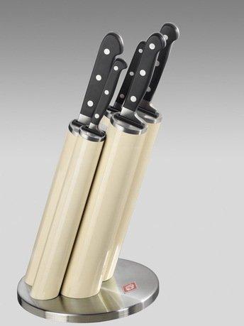 Набор ножей Pipe в подставке, слоновая кость, 5 пр. (322691-23)Наборы ножей<br>Этот практичный, красивый и надежный набор кухонных ножей придется по душе любому кулинару. Стильная подставка с прочными и удобными ножами займет достойное место на любой кухне. Подставка изготовлена из стали и прочного пластика цвета слоновой кости и предназначена для аккуратного хранения 5 ножей: для чистки овощей и фруктов, для мяса, для хлеба, универсального и поварского. Лезвия ножей выполнены из японской стали 420J3, а ручки - из нескользящего бытового пластика. Пять практичных пеналов расположены под углом, благодаря чему ножи проще доставать и ставить. В каждом пенале предусмотрен дополнительный бортик из пластика для защиты лезвий от повреждений.  Размеры подставки (ДхШхВ): 17.5х17.5х42 см.<br><br>Серия: Knife Block Pipe<br>Состав: Нож для очистки, 20.4 см, Нож универсальный, 24 см, Нож для хлеба, 33 см, Нож разделочный, 33 см, Нож поварской, 33.5 см