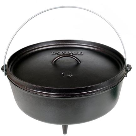Жаровня овальная на ножках (7.6 л), 35 см, высота 10 смЖаровни<br>Чугунная жаровня на трех ножках – универсальная посуда для приготовления всевозможных блюд на открытом воздухе. Ставьте ее прямо в тлеющие угли, и она прогреется очень равномерно – со дна и до самой крышки. Плоская крышка плотно закрывает жаровню, не позволяя аромату продуктов, готовящихся в ней, выветриться. Кстати, на крышку также можно положить немного горячих и тлеющих углей. Благодаря большой дугообразной ручке переносить эту тяжелую жаровню вам будет намного легче и удобнее.<br><br>Серия: Lodge Неэмалированный чугун