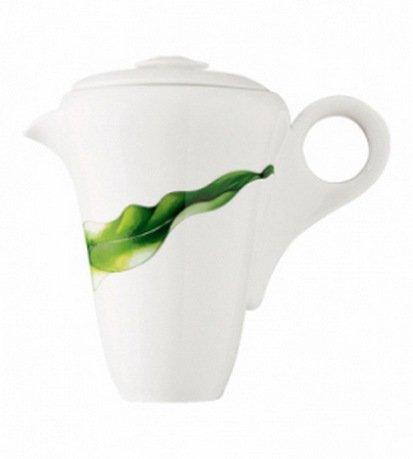 Кофейник Vegetal (0.7 л)Заварочные чайники и Кофейники<br>В красивом фарфоровом кофейнике вы сможете аккуратно и изысканно подать свежезаваренный напиток. Небольшая ручка и плотно сидящая крышка делают использование этого высокого кофейника особенно удобным.<br><br>Серия: Vegetal
