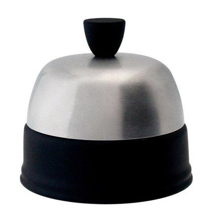 Сахарница с крышкой, чернаяСахарницы<br>Сахарница изготовлена из фарфора и нержавеющей стали, которые в этом изделии сочетаются очень гармонично. Для сервировки чаепития к ней можно подобрать подходящий по цвету фарфоровый чайник и кружки с блюдцами из коллекции Salam.<br><br>Серия: Salam