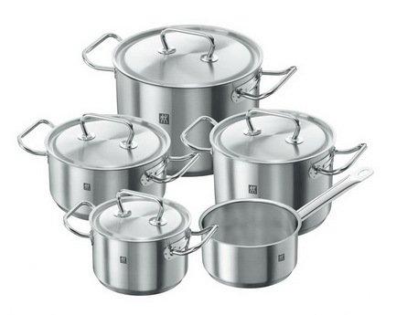 Набор кастрюль TWIN Twin CLASSIC, 5 пр.Посуда<br>Хорошо укомплектованный набор посуды из нержавеющей стали – мечта каждой хозяйки. Здесь есть все, что нужно для приготовления любых блюд в подходящем объеме. Вы всегда сможете подобрать кастрюлю нужного диаметра и объема для приготовления первого блюда, компота или гарнира.<br><br>Серия: Twin CLASSIC<br>Состав: Кастрюля, 20 см (3.0 л) Кастрюля, 16 см (2.0 л) Кастрюля, 20 см (4.0 л) Кастрюля, 24 см (7.0 л) Ковш, 16 см (1.5 л)