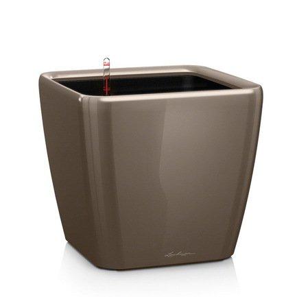 Кашпо Квадро 21 LS, серо-коричневое, с системой полива и съемным горшкомКашпо<br>Кашпо размером 22х22х20 см предназначено для посадки растений с высотой побегов до 50 см. Кашпо укомплектовано съемным горшком с объемом посадочной площади – 4 литра. Вместимость резервуара для воды съемного лотка – около 1 литра. Запатентованная система автополива обеспечивает растения питательными веществами и влагой, которые необходимы для их оптимального роста в течение 12 недель. Контролировать уровень воды удобно благодаря специальному индикатору. Съемный горшок легко вынимать и заменить на месте, его удобно транспортировать и компактно хранить.<br><br>Серия: Premium Quadro LS