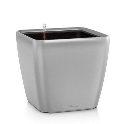 Кашпо Квадро 21 LS, серебряное, с системой полива и съемным горшкомКашпо<br>Кашпо размером 22х22х20 см предназначено для посадки растений с высотой побегов до 50 см. Кашпо укомплектовано съемным горшком с объемом посадочной площади – 4 литра. Вместимость резервуара для воды съемного лотка – около 1 литра. Запатентованная система автополива обеспечивает растения питательными веществами и влагой, которые необходимы для их оптимального роста в течение 12 недель. Контролировать уровень воды удобно благодаря специальному индикатору. Съемный горшок легко вынимать и заменить на месте, его удобно транспортировать и компактно хранить.<br><br>Серия: Premium Quadro LS