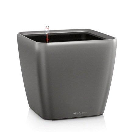 Кашпо Квадро 28 LS, антрацит, с системой полива и съемным горшкомКашпо<br>Кашпо размером 28х28х26 см предназначено для посадки растений с высотой побегов до 70 см. Кашпо укомплектовано съемным горшком с объемом посадочной площади - 8.5 литров. Вместимость резервуара для воды съемного лотка - около 2.5 литра. Запатентованная система автополива обеспечивает растения питательными веществами и влагой, которые необходимы для их оптимального роста в течение 12 недель. Контролировать уровень воды удобно благодаря специальному индикатору. Съемный горшок легко вынимать и заменить на месте, его удобно транспортировать и компактно хранить.<br><br>Серия: Premium Quadro LS