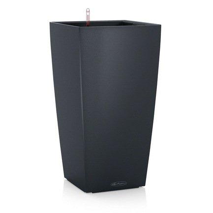 Кашпо Кубико Колор 22, серое, все-в-одномКашпо<br>Кашпо кубической формы размером 22х41 см предназначено для посадки растений с высотой побегов до 50 см. Кашпо укомплектовано съемным горшком с объемом посадочной площади – 6 литров. Вместимость резервуара для воды съемного лотка – около 2 литров. Запатентованная система автополива обеспечивает растения питательными веществами и влагой, которые необходимы для их оптимального роста в течение 12 недель. Контролировать уровень воды удобно благодаря специальному индикатору. Съемный горшок легко вынуть и заменить на месте, также его удобно транспортировать и хранить.<br><br>Серия: Cubico Color