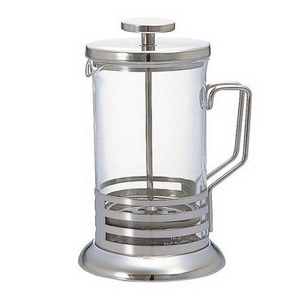 Кофейник (0.6 л)Заварочные чайники и Кофейники<br>Элегантный кофейник пригодится для заваривания кофе или чая на 4 вместительных чашки. Благодаря классическому дизайну и удачной комбинации материалов: стекла и нержавеющей стали, кофейник гармонично впишется в любое оформление кофейной церемонии. Процесс заваривания составляет не более нескольких минут благодаря тому, что внутренний поршень с сеткой хорошо отжимает заварку или кофейную гущу, извлекая из них неповторимый аромат и вкус.<br><br>Серия: Harior Bright