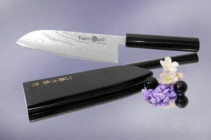 Нож поварской Сантоку, 16.5 смНожи Сантоку<br>Нож азиатского типа с широким лезвием и особенно острой режущей кромкой. Ножи сантоку универсальны в использовании, и могут применяться для нарезки мяса, рыбы или овощей.<br><br>Серия: Wa-Urushi