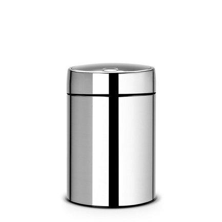 Ведро для мусора с крышкой Slide (5 л), 31.5х20.5х21.8 см, стальной полированныйМусорные ведра<br>Стильный мусорный бак со стальной вращающейся крышкой компактен и практичен. Его объема – 5 литров – достаточно для ежедневного сбора мусора в туалете и ванной комнате. Корпус бака изготовлен из качественной нержавеющей стали, устойчивой к появлению коррозии. Это именно то, что нужно для сбора мусора в условиях повышенной влажности в помещении. Главная особенность бака – в практичных деталях, которые делают его очень удобным. Бак можно традиционно поставить на пол в любом подходящем месте, а можно прикрепить к стене, например, возле умывальника на уровне рук. Для этого в комплекте идет держатель из нержавеющей стали, на него контейнер надевается своей задней стенкой. Внутрь бака вставляется пластиковое ведро, на которое надевается мусорный пакет. Съемное ведро легко содержать в чистоте: оно удобно вынимается и моется. На дне бака есть специальное пластиковое кольцо, благодаря чему металлический корпус не царапает пол и стоит очень устойчиво даже на мокром покрытии. На баке установлена вращающаяся крышка, она не пропускает запах, удобно открывается и закрывается легким прикосновением.<br><br>Серия: Slide Bin