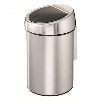 Ведро для мусора Touch Bin (3 л), 18.5х28 см, матово стальное с защитой от отпечатков пальцевМусорные ведра<br>Бак для сбора мусора Brabantia Touch Bin хорошо подходит для туалета и ванной комнаты. Его главная особенность в том, что чтобы воспользоваться мусорным ведром, не нужно снимать его крышку руками. Благодаря уникальной системе Soft-Touch нажатием одной кнопки крышка бака открывается и закрывается – бесшумно и легко. С этой запатентованной системой пользование мусорным баком становится намного комфортнее. Корпус и крышка бака изготовлены из нержавеющей стали с матовой полировкой, которая защищена от появления отпечатков пальцев. Внутри есть съемное пластиковое ведро – практичное, износостойкое и хорошо моется. В ведро вставляется пластиковый мусорный пакет (подходит размер А), который удобно вставлять и вынимать благодаря тому, что крышка легко снимается с бака. Корзину для мусора Touch Bin можно ставить на любое напольное покрытие, на дне бака есть пластиковый защитный обод, который защищает пол от царапин. Также бак можно прикрепить на кронштейн к стене. Кронштейн из нержавеющей стали поставляется в комплекте.<br><br>Серия: Touch Bin