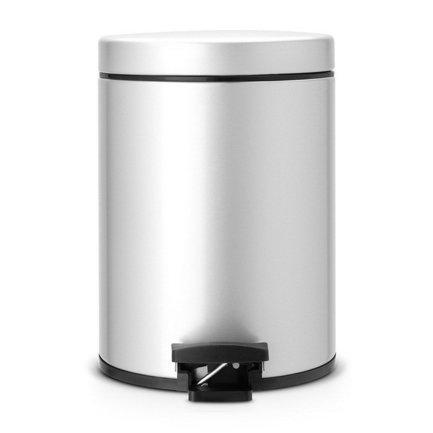 Ведро для мусора с педалью (5 л), 20.5х28.8х20.5х28см, серый металликМусорные ведра<br>Стильный мусорный бак с педалью компактен и практичен. Его объема – 5 литров – достаточно для ежедневного сбора мусора в туалете и ванной комнате. Корпус бака изготовлен из качественных материалов, устойчивых к появлению ржавчины. Это именно то, что нужно для сбора мусора в условиях повышенной влажности в помещении. Внутрь бака вставляется пластиковое ведро, на которое надевается мусорный пакет размером B. Съемное ведро легко содержать в чистоте: оно удобно вынимается и моется. На дне бака есть специальное пластиковое кольцо, благодаря чему металлический корпус не царапает пол и стоит очень устойчиво даже на мокром покрытии. Эта модель оснащена надежной педалью, изготовленной из антикоррозийных материалов, и прочной ручкой для переноски. На баке установлена металлическая крышка, она не пропускает запах, легко и тихо открывается и закрывается нажатием педали.<br><br>Серия: Pedal Bin