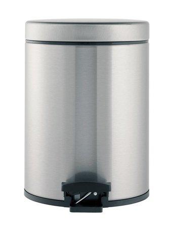 Ведро для мусора с педалью (5 л), 20.5х28.8х20.5х28см, матовое стальное, с защитой от отпечатков пальцевМусорные ведра<br>Стильный мусорный бак с педалью компактен и практичен. Его объема – 5 литров – достаточно для ежедневного сбора мусора в туалете и ванной комнате. Корпус бака изготовлен из качественных материалов, устойчивых к появлению ржавчины. Это именно то, что нужно для сбора мусора в условиях повышенной влажности в помещении. Внутрь бака вставляется пластиковое ведро, на которое надевается мусорный пакет размером B. Съемное ведро легко содержать в чистоте: оно удобно вынимается и моется. На дне бака есть специальное пластиковое кольцо, благодаря чему металлический корпус не царапает пол и стоит очень устойчиво даже на мокром покрытии. Эта модель оснащена надежной педалью, изготовленной из антикоррозийных материалов, и прочной ручкой для переноски. На баке установлена металлическая крышка, она не пропускает запах, легко и тихо открывается и закрывается нажатием педали.<br><br>Серия: Pedal Bin
