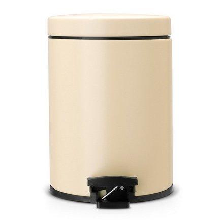 Ведро для мусора с педалью (5 л), 20.5х28.8х20.5х28см, миндальноеМусорные ведра<br>Стильный мусорный бак с педалью компактен и практичен. Его объема – 5 литров – достаточно для ежедневного сбора мусора в туалете и ванной комнате. Корпус бака изготовлен из качественных материалов, устойчивых к появлению ржавчины. Это именно то, что нужно для сбора мусора в условиях повышенной влажности в помещении. Внутрь бака вставляется пластиковое ведро, на которое надевается мусорный пакет размером B. Съемное ведро легко содержать в чистоте: оно удобно вынимается и моется. На дне бака есть специальное пластиковое кольцо, благодаря чему металлический корпус не царапает пол и стоит очень устойчиво даже на мокром покрытии. Эта модель оснащена надежной педалью, изготовленной из антикоррозийных материалов, и прочной ручкой для переноски. На баке установлена металлическая крышка, она не пропускает запах, легко и тихо открывается и закрывается нажатием педали.<br><br>Серия: Pedal Bin