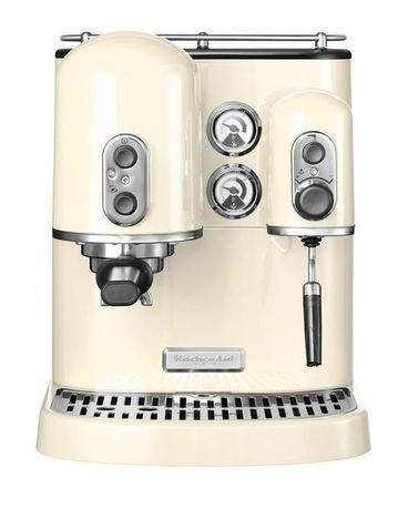 Кофемашина KitchenAid Artisan, кремоваяКофемашины<br>Обновленная модель популярной кофемашины KitchenAid Artisan. Удобная полуавтоматическая кофеварка в прочном металлическом корпусе идеально подходит для тех, кто любит делать кофе в домашних условиях. Простая в применении, компактная и многофункциональная кофеварка приготовит превосходный кофе. Теперь вы можете пить эспрессо и американо, приготовленные в домашних условиях. Заваривая кофе, кофеварка может одновременно взбивать молоко, позволяя вам насладиться вкусом и ароматом настоящего латте, капучино и мокка. Эта кофемашина подходит для приготовления кофейных напитков из обычного молотого кофе или из чалд - спресованного жареного молотого кофе, расфасованного в фильтр-пакеты.     Характеристики:   Мощность: 1300 Вт  Тип нагревателя: Бойлер  Давление: 15 бар  Используемый кофе: Молотый, Чалды  Напряжение: 230-240 В<br><br>Серия: Кофеварка Artisan<br>Состав: Кувшин для вспенивания, 255 мл, Мерная ложечка для кофе, 7 г, Щеточка для чистки сетки, Мерный стаканчик-крышка на 30 мл, Мерный стаканчик-крышка на 60 мл, Темпер, Уплотнитель