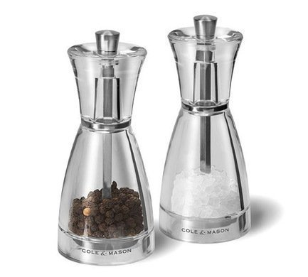 Набор мельниц для перца и соли Pina, 12.5 см, 2 шт.Мельницы для перца, соли, специй<br>Английская компания Cole &amp; Mason начинала свою деятельность с производства и оформления подарков, поэтому их подарочные наборы выглядят по-настоящему стильно и празднично. Дизайнерские высококачественные мельницы для специй Pina в красивой черной упаковке станут памятным подарком на любое торжество: свадьбу, именины, юбилей или новоселье.<br><br>Серия: Pina