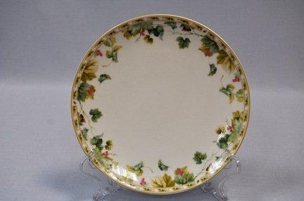 Набор подстановочных тарелок Изабелла, 26.5 см, 6 пр.Распродажа<br>Плоские тарелки круглой формы и среднего диаметра в комплексной сервировке стола выполняют декоративную функцию. На эти тарелки не кладут еду, это так называемые подстановочные или сервисные тарелки. На них ставятся тарелки для основного блюда малого диаметра и суповые тарелки. Наличие подставочных тарелок на столе означает совершенное знание этикета хозяйки.<br><br>Серия: Изабелла